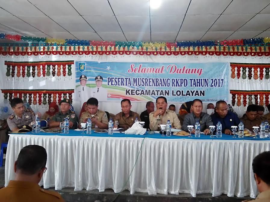 Bupati Bolmong Salihi B.Mokodongan saat membuka secara resmi Musrembang Kecamatan Lolayan.