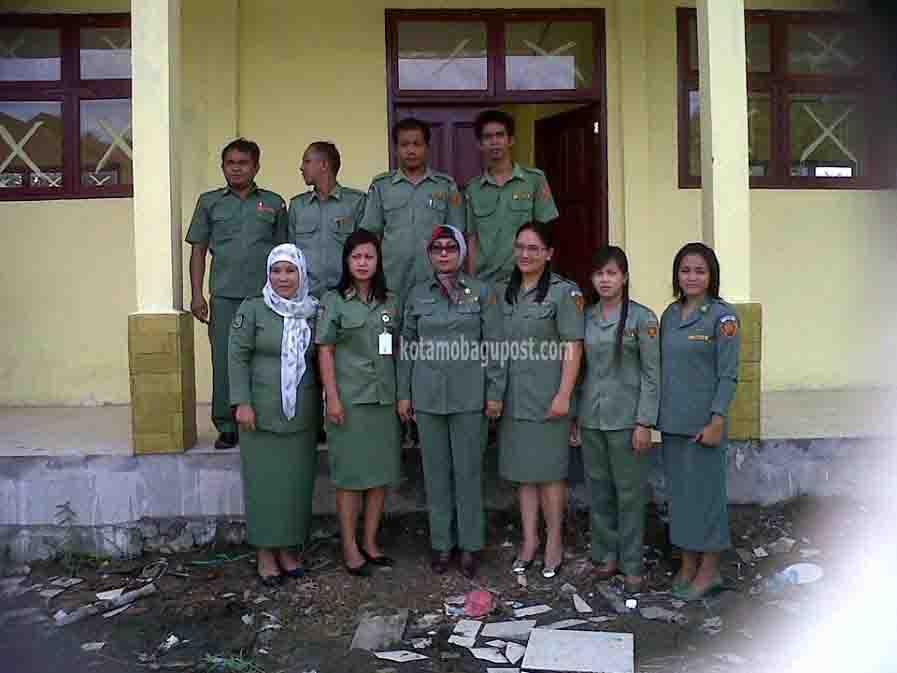 Kepsek dan para guru SMK Negeri Motongkat Kabupaten Boltim