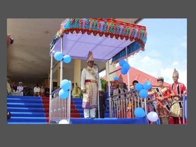 Bupati Bolmong Salihi B Mokodongan bertindak selaku inspektur upacara pada HUT ke-62 Kabupaten Bolmong