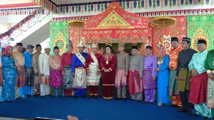 Kapolda Sulut Wilmar Marpaung mendapat anugerah gelar adat Bogani In Totabuan