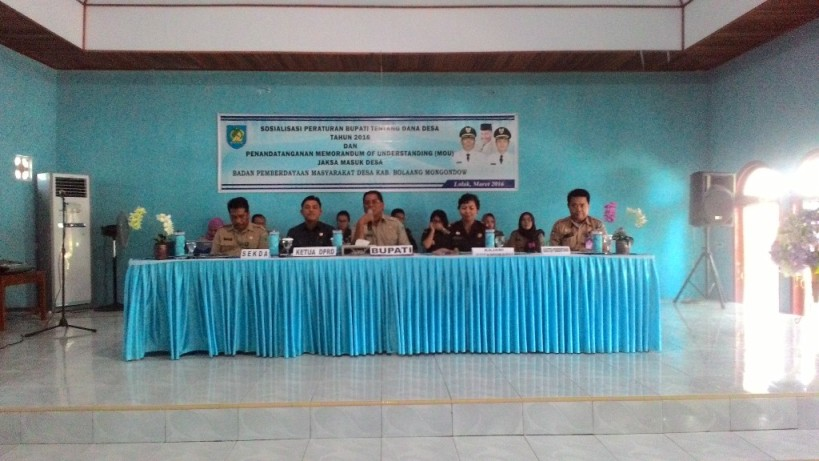 Kegiatan Sosialisasi Dana Desa dan Penandatanganan MoU antara Kepala Kejaksaan Negeri Kotamobagu dengan Pemerintah Kabupaten Bolmong yang dihadiri oleh seluruh Kepala Desa Sangadi se-Kabupaten Bolmong.