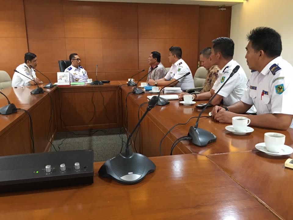 Bupati Salihi Mokodongan dan Kadishubparkominfo Eka Korompot bersama Dirjen Perhubungan Darat Kementerian Perhubungan RI