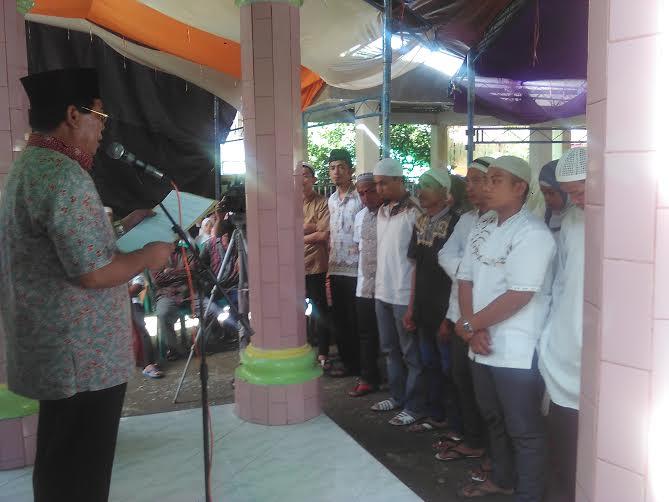 bupati Bolmong Salihi Mokodongan menghimbau kepada perusahaan untuk membayar THR sebelum Idul Fitri 1437 H. (Dok. Jun Dermawan)