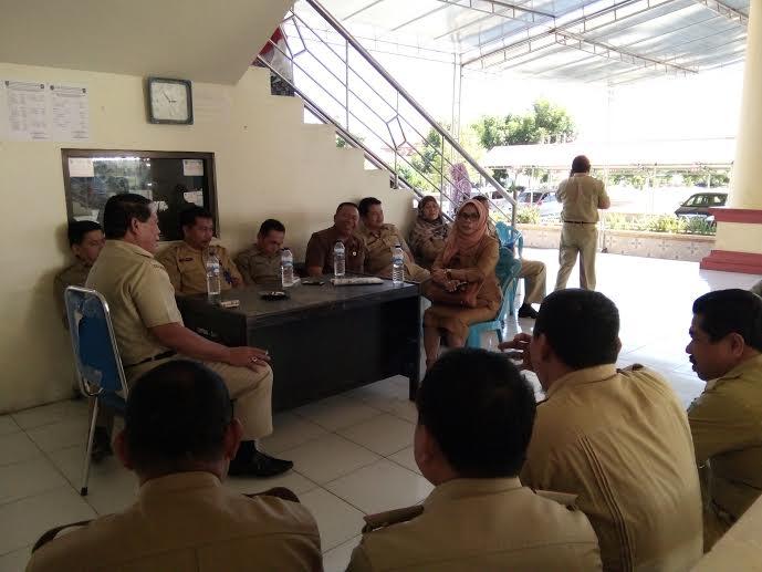 Bupati Salihi Mokodongan diakhir masa jabatannya saat memberikan arahan kepada pejabat esalon IIPemkab Bolmong