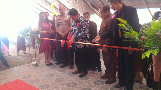 Jemmy-Kumendong-mewakili-Gubernur  Sulutmeresmikan gedung-gereja-GKBI Kakas (dok : manadonews)