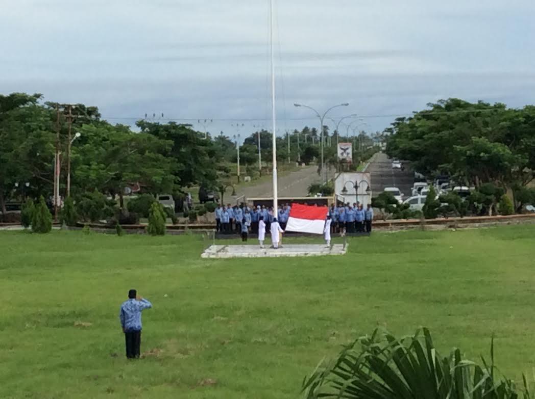 Suasana Upacara Peringatan Sumpah Pemuda ke 88 Tahun 2016 yang dilaksanakan di lapangan kantor Bupati Bolmong di Lolak