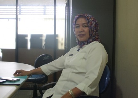 Kepala Dinas Kependudukan dan Catatan Sipil Kota Kotamobagu Virgina Olii SE, sukses mencatat prestasi perekaman E-KTP