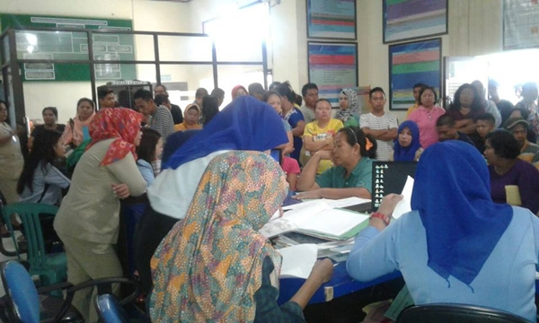 Suasana Perekaman E-KTP di Kantor Dinas Kependudukan dan Catatan Sipil Kota Kotamobagu