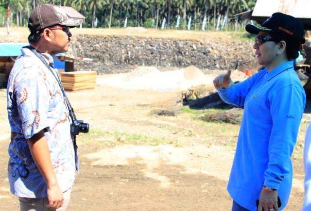 Walikota Ir Tatong Bara saat meninjau Tempat Pembuangan Akhir Sampah bersama Tim Verfikasi Adipura Kementerian Lingkungan Hidup