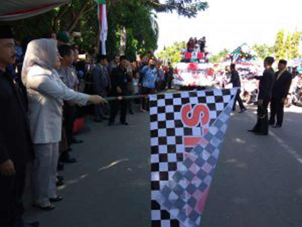 Karnaval HUT Kotamobagu Ke-10 Kelilingi Kotamobagu