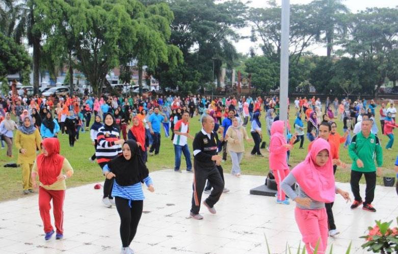 Momentum Jalan Sehat, ASN Kotamobagu Larut Dalam Kebersamaan With Pjs Walikota
