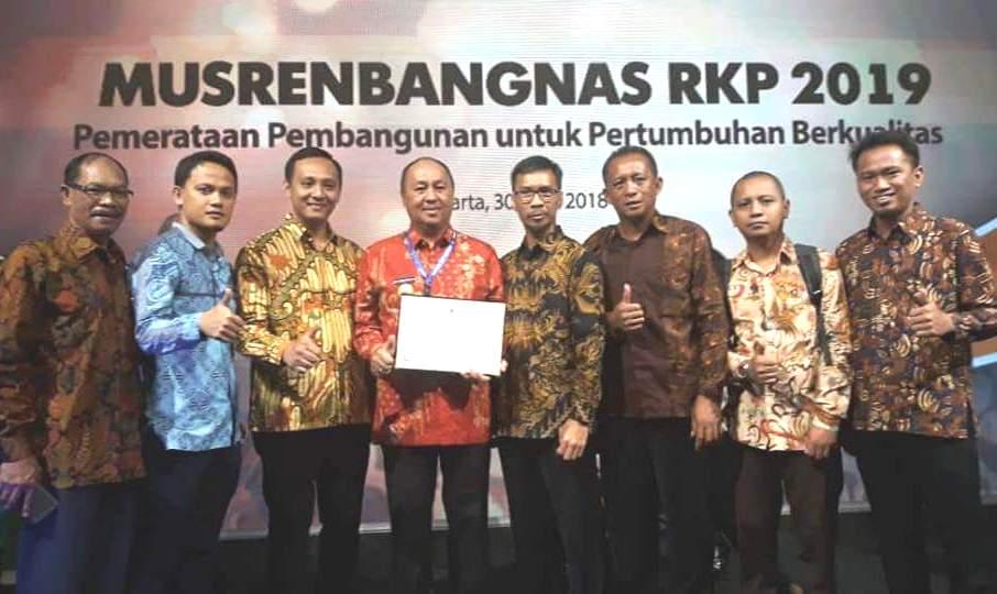 Torehkan Prestasi, Pemkot Kotamobagu Raih Penghargaan Pembangunan dari Bappenas