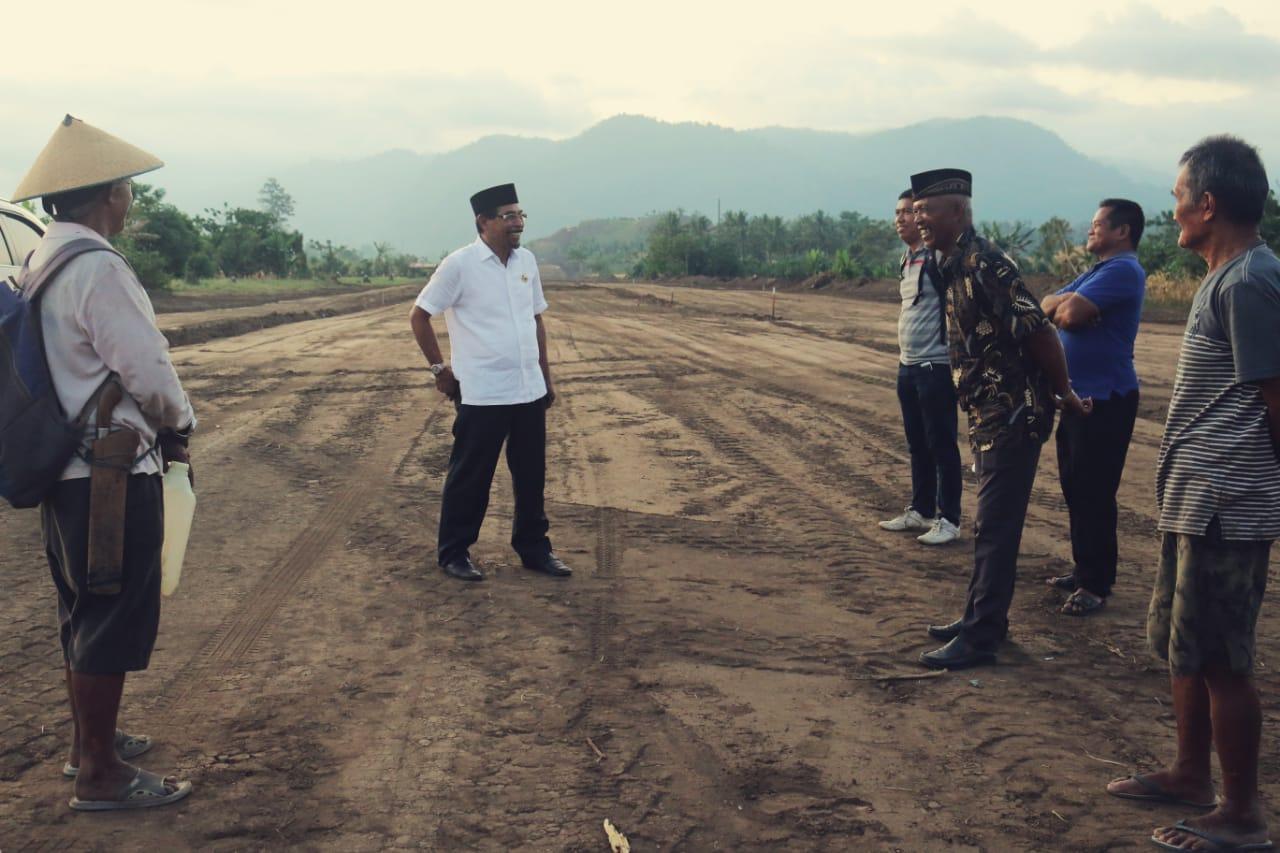 Sejak kepemimpinan Bupati Boltim Sehan Landjar SH Kabupaten Boltim hinggatahun 2019 ini telah memiliki panjang jalan yang dibangun 160 kilometer