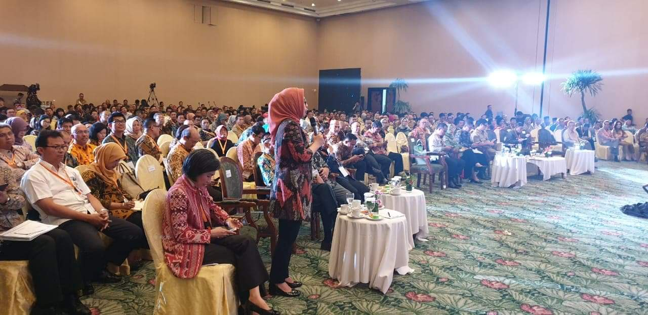 Walikota Kotamobagu dalam kegiatan Penyusuanan Rancangan Awal RPJM Nasional Tahun 2020 2024 digiat oleh Pembangunan Nasional  Badan Perencanaan Pembangunan Nasional Republik Indonesia (foto : Istimewa/hms kk)