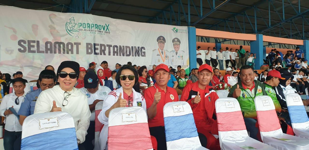 Spirit Ukir Prestasi, Tatong – Nayodo Dampingi Kontingen Asal Kota Kotamobagu di Ajang Pembukaan Porprov Sulut 2019