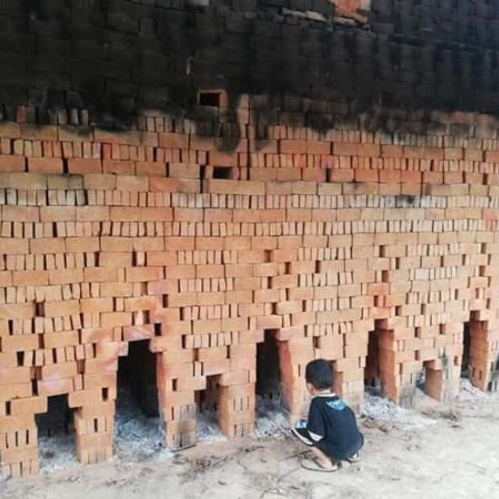 Produksi Bahan Bangunan, Warga PobundayaanIni Manfaatkan Potensi Tanah Liat