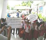 Unjuk Rasa Murid Dikantor Walikota, Tak Diketahui Komite Sekolah SDN 2 Gogagoman