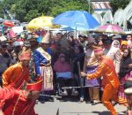 Masyarakat Bolmong Lepas Bupati Salihi Secara Adat Singkudan
