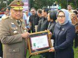 Prestasi Bidang Keselamatan Kerja, Walikota Kotamobagu Terima Penghargaan dari Gubernur Sulut