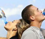 Minum Air Berlebihan Membahayakan Kesehatan