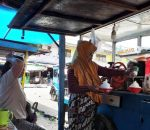 Ibu Janda Salma Pakaya, 6 Tahun Jualan Es Cukur di Terminal Serasi