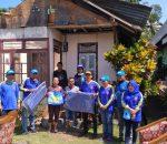 Dinsos Kotamobagu Salurkan Bantuan Terpal dan Selimut Untuk 31 Rumah Korban Angin Ribut