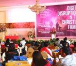 Walikota Tatong Bara Apreseasi Seminar Digital Discruption In The Cristian Family digelar Yayasan Kristen GMIBM