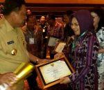 Walikota Kotamobagu Terima Penghargaan Anugerah Pangripa Nusantara