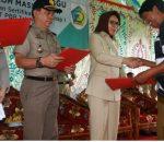 700-an Sertifikat Tanah Gratis, Diserahkan Walikota Tatong Bara