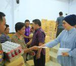 Momentum Natal 2019, Walikota Tatong Bara Berbagi Kasih pada 200 Warga Kurang Mampu