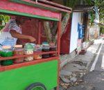 4 Tahun Penduduk Madura Ini 'Ngais Rejeki' Jualan Es Cukur di Depan Polres Kotamobagu
