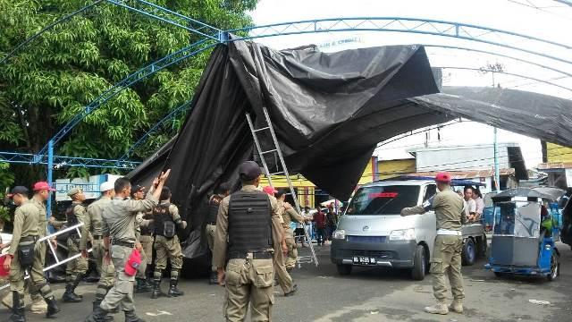 Pemkot Kotamobagu Bongkar Kanopi Pasar Senggol Gogagoman