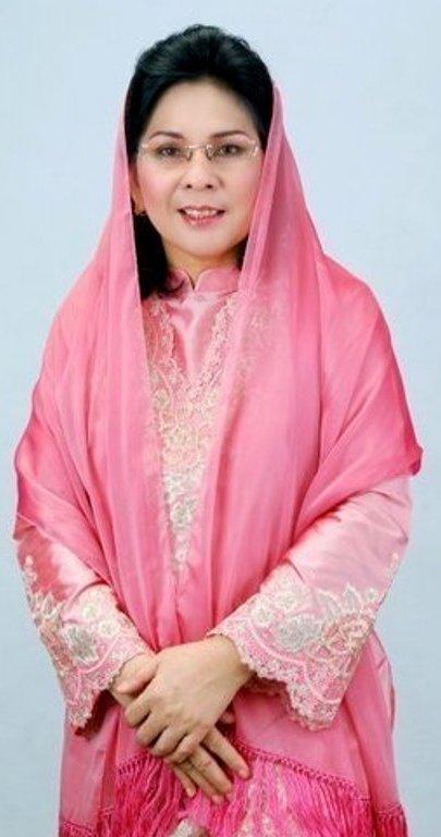 """Tatong Bara : """"Tak Punya Anak dan Suami, Saya Konsen Urus Pelayanan Publik"""""""