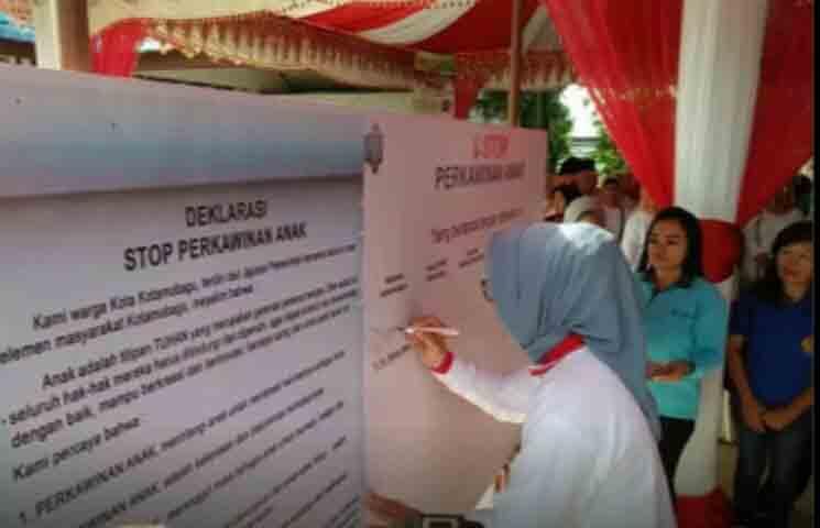 """Walikota Kotamobagu Deklarasi""""Stop Perkawinan Anak"""""""
