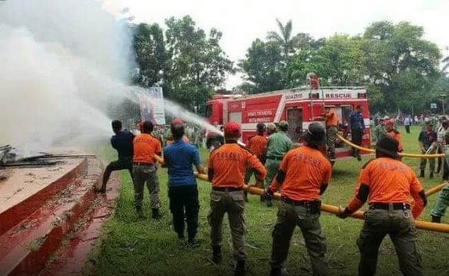 Simulasi Penanganan Kebakaran Oleh Satuan Damkar Kotamobagu