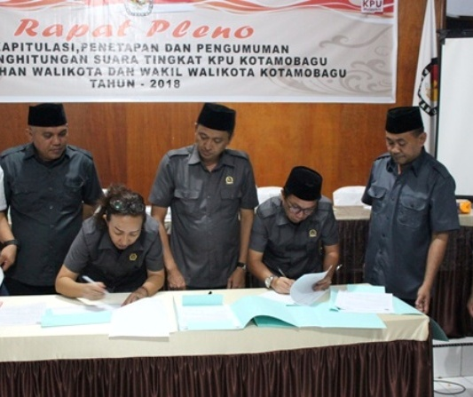 KPU Tetapkan Hasil Pleno Pilkada Kotamobagu, Paslon Tatong-Nayodo Pemenang