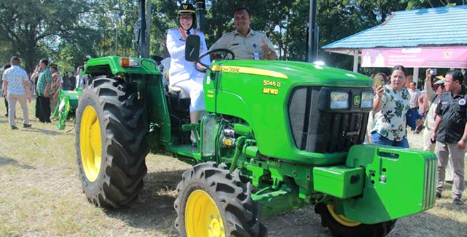 Walikota dan Wawali Uji Coba Tracktor Roda Empat