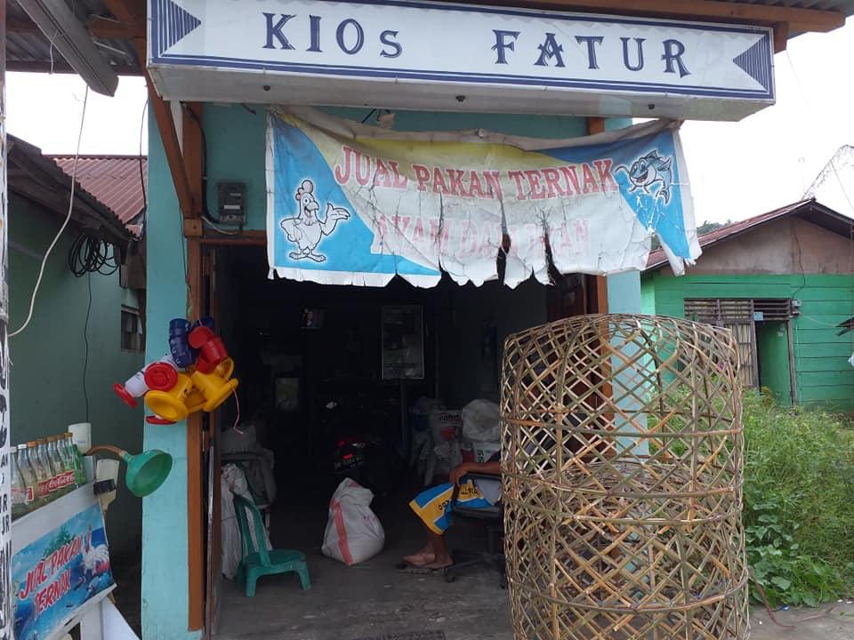 Kios Fathur Kotobangon, Gairahkan Bisnis Pakan Ternak Ayam Bangkok di Kecamatan Kotamoagu Timur