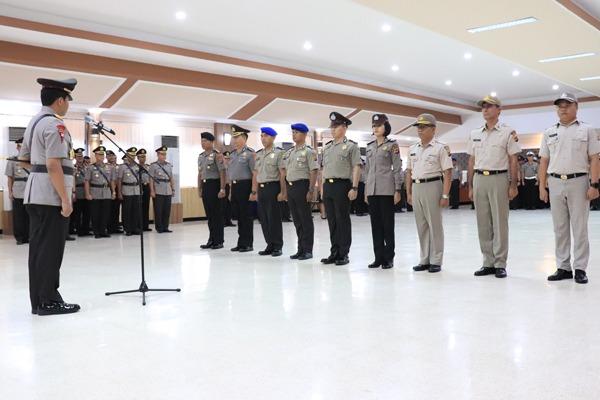 HUT Bhayangkara ke-73, 140 Personil Lingkungan Polda Sulut, Naik Pangkat