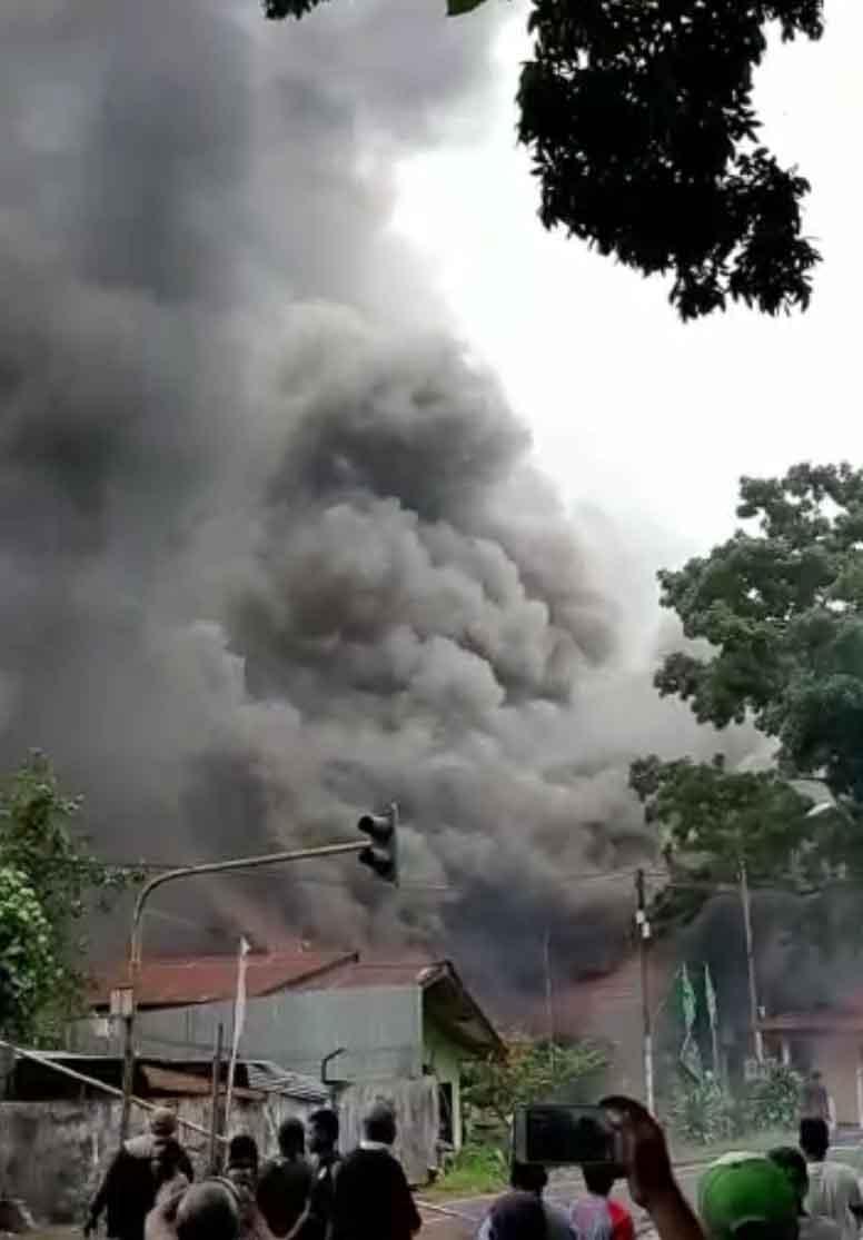 """Kadis Pasar Kotamobagu : """"Tak Ada Koban Jiwa, Kebakaran Pasar Serasi Telan Kerugian Miliaran Rupiah"""""""