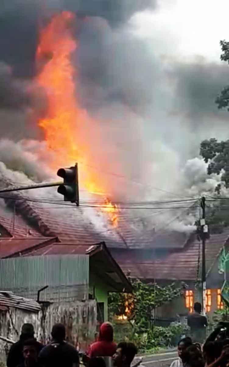 Blok B,C dan D dan Sejumlah Ruko Pasar Serasi Kotamobagu, Ludes Terbakar