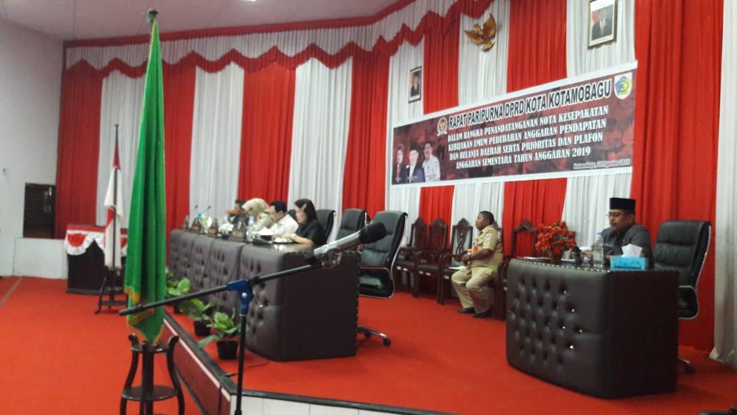 Walikota Tatong Bara Teken Nota Kesepakatan KUA Perubahan dan PPAS Tahun 2019