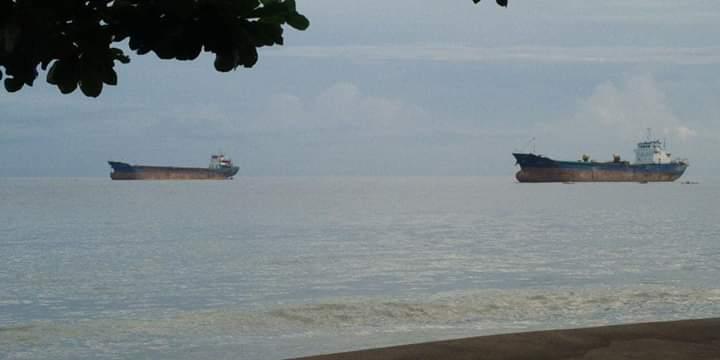 Ditengah Wabah Covid 19, Kapal-Kapal Negara Asing Bebas Keluar Masuk di PT Conch North Sulawesi
