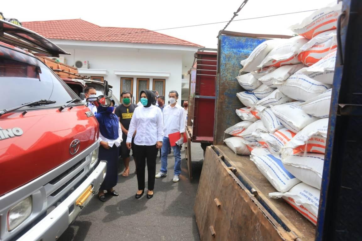 Walikota Kotamobagu Resmi Salurkan Bantuan 135 Ton Beras plus Sembako Untuk Warga Miskin