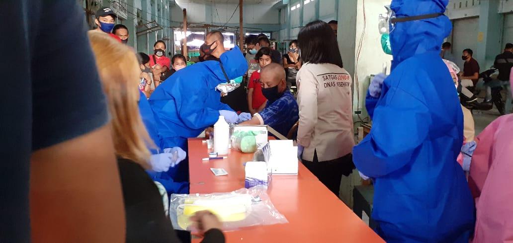 Dinkes Kotamobagu Jemput ke Manado, Spesimen Milik 63 Warga Kotamobagu Yang Reaktif