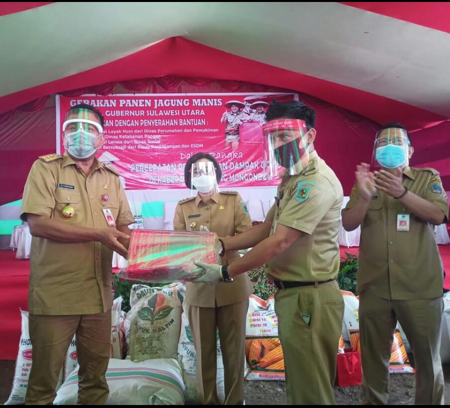 Kunjungan Kerja di Bolmong, Gubernur Sulut Beri Bantuan Ke Petani