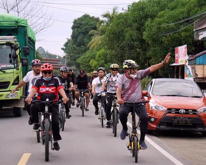 Bupati Depri Pontoh Sambut Rombongan Gowes Kapolda Sulut