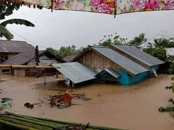 Kecamatan Dumoga Dihantam Banjir, Puluhan Rumah Terendam dan Jembatan Putus