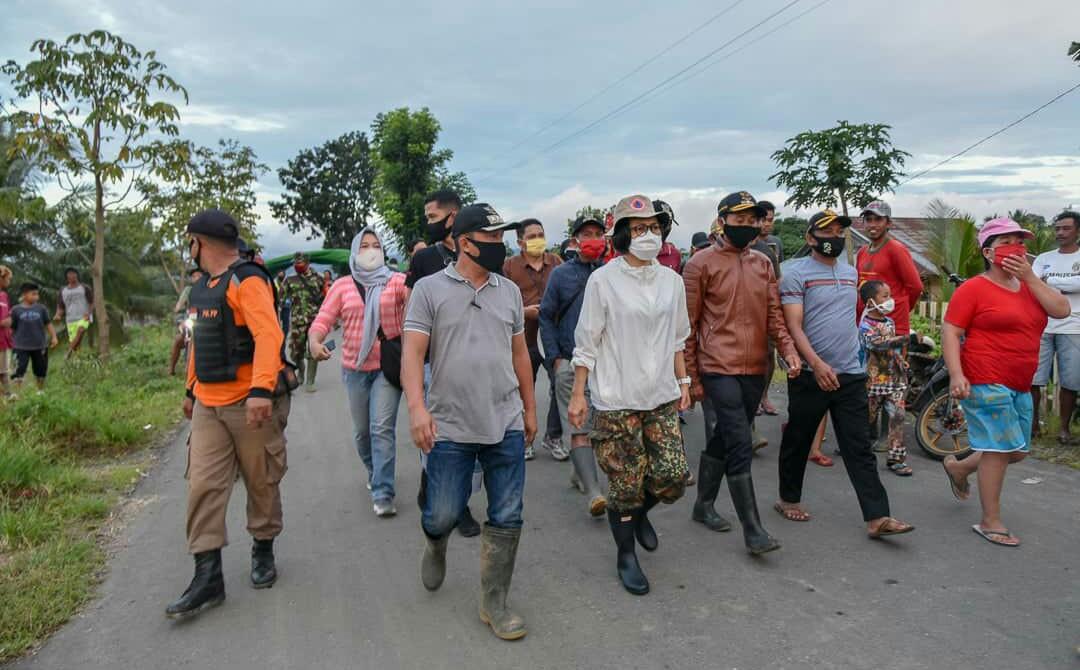 Bupati Bolmong Kunjungi Langsung Lokasi Banjir Di Dumoga