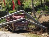 Diduga Akibat Galian Proyek Talud, Tiang Listrik Roboh Dan Menimpa Dum Truck